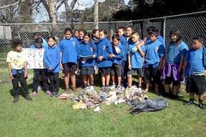 birdwood-school-room-11-2013-after-pickung-up-rubbish-at-urlich-reserve
