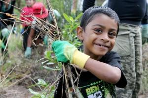 33350-volunteer-weeding-hours